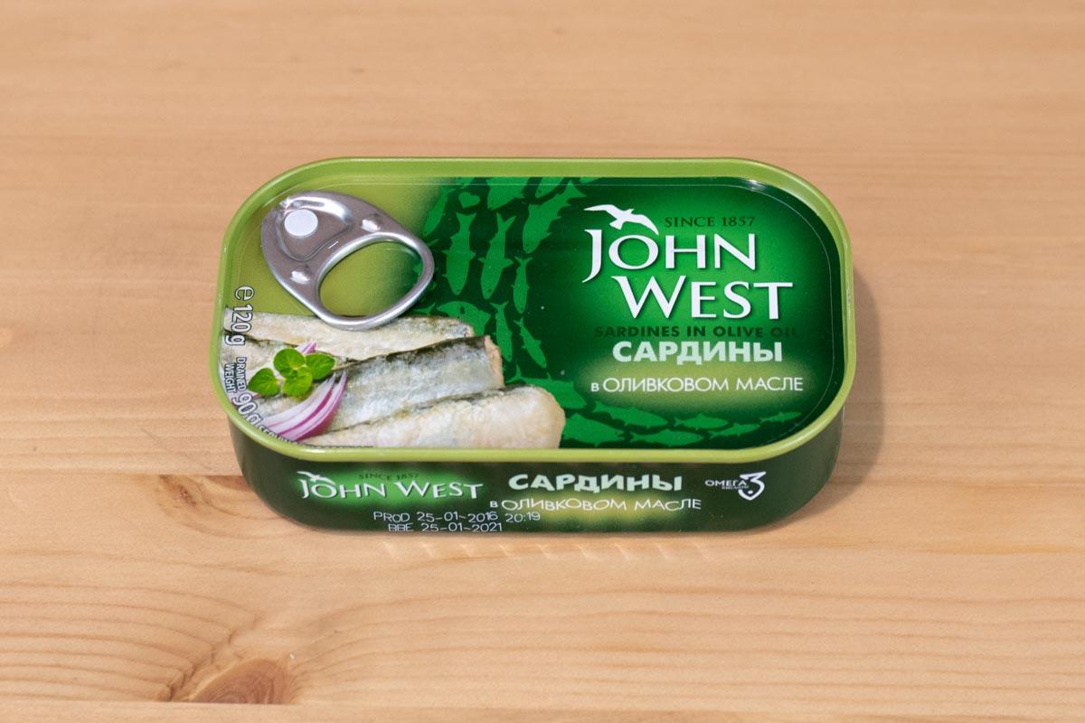 Пробуем сардины в оливковом масле John West