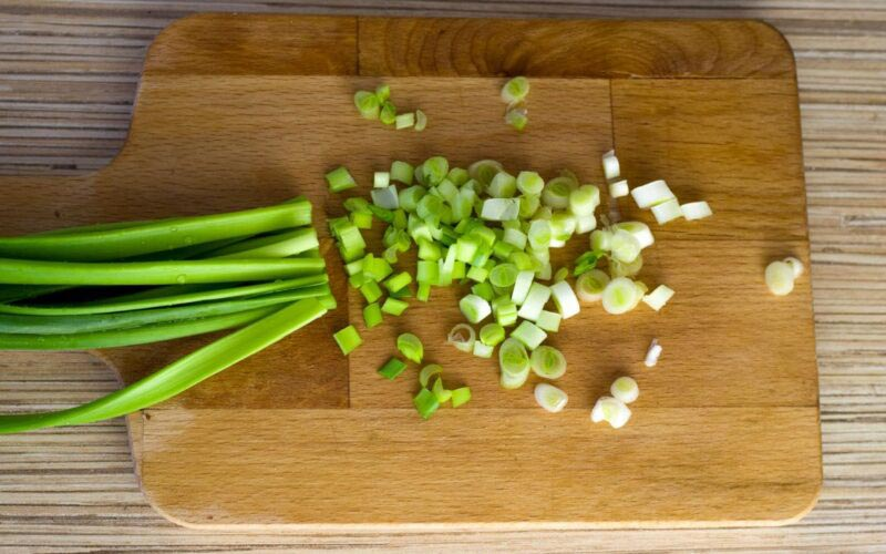 Польза зеленого лука © Я поел!