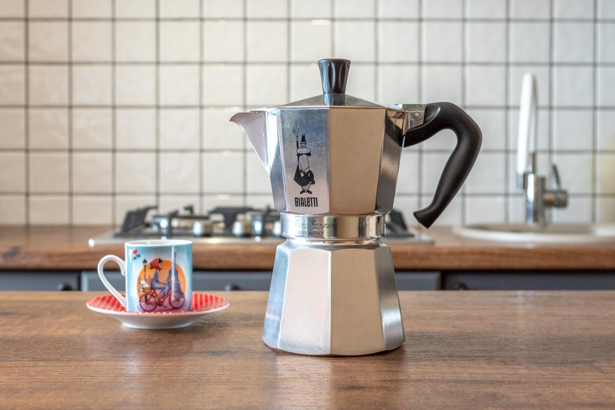 Готовим бодрящий кофе с гейзерной кофеваркой Bialetti Moka Express 1163 © Я поел!