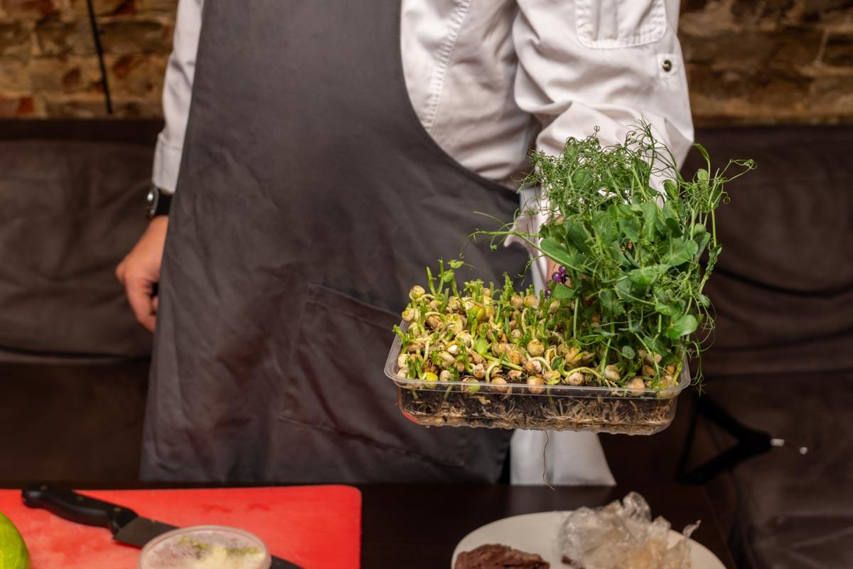 Рецепт телячьих щечек от шефа Ильнара Гайнутдинова из казанского ресторана Home Gastrobar © Я поел!