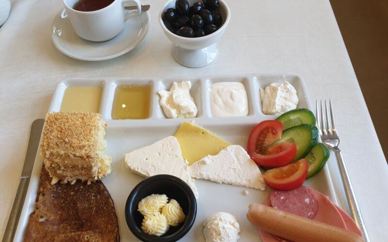 Типичный завтрак в Азербайджане