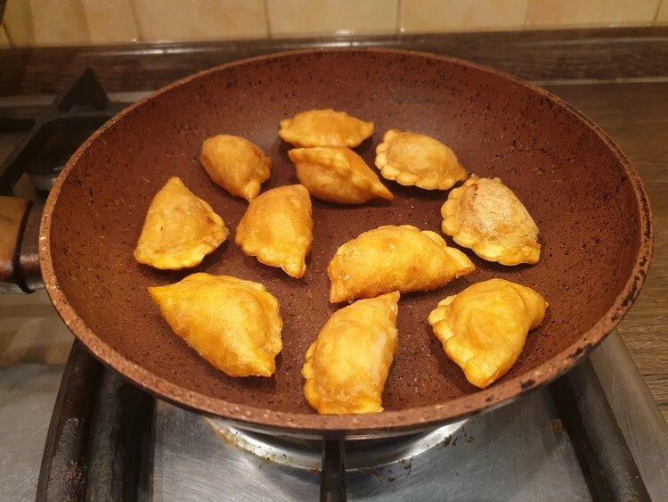Пробуем «Картофаники с картофелем и луком» — быстро и сердито