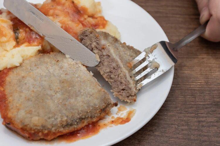 Пробуем шницель с картофельным пюре от «Сытоедов»