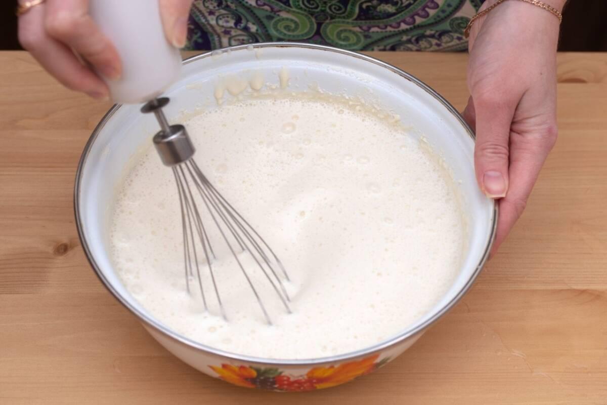 Готовим блины на кефире в Масленицу