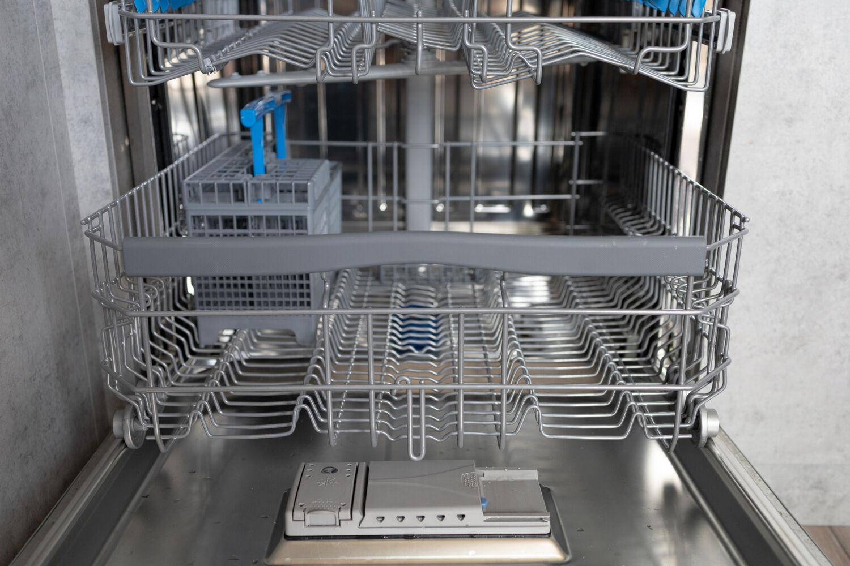 Рассказываем про нашу посудомоечную машинуCandy Brava CDIN 1D672PB-07